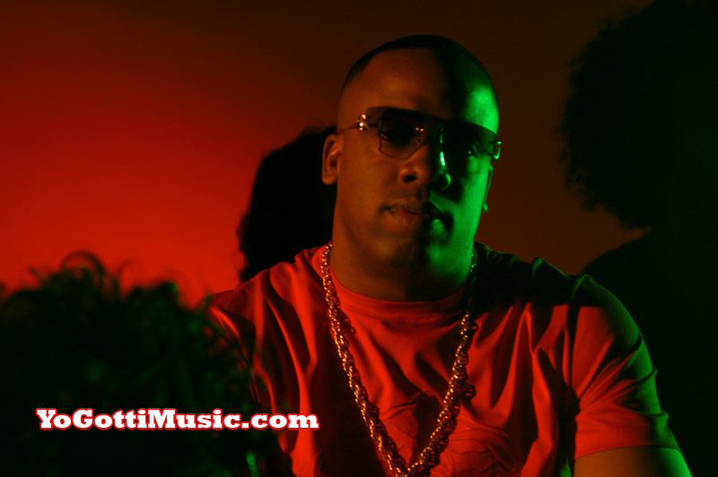Photo of Yo Gotti behind the scenes at Got Dat Sack video shoot
