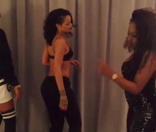 Rihanna twerking backstage Diamond tour