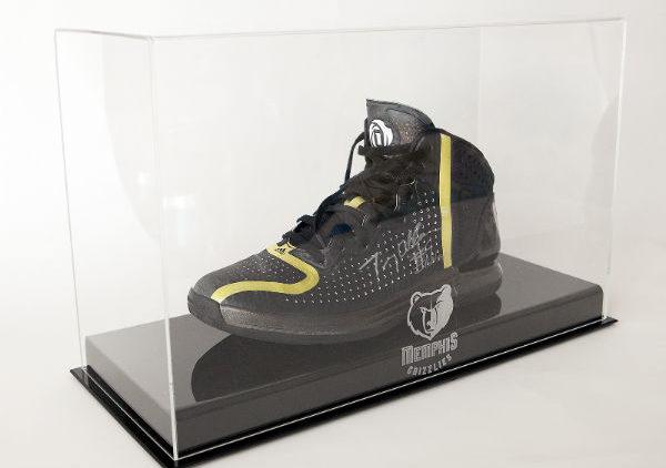 Memphis Grizzlies Tony Allen shoe that kicked Chris Paul