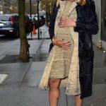 Photo - Ciara shows off pregnancy baby bump