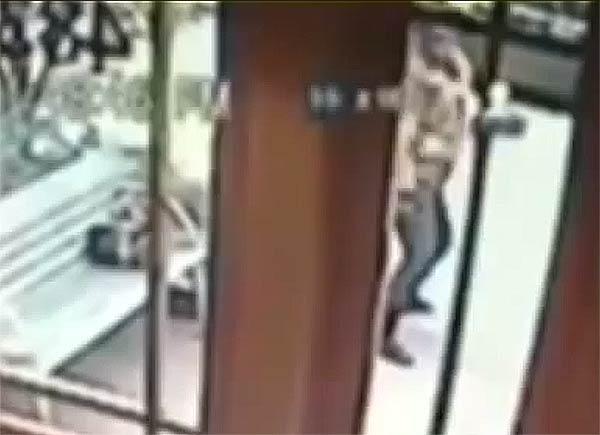 Twerkin burglar Brooklyn NY