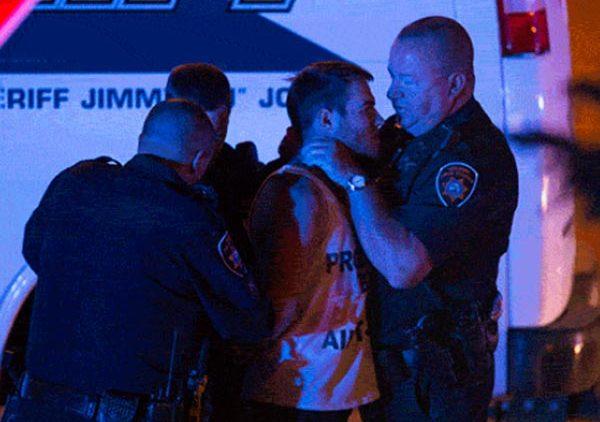 Tennessee Officer chokes UT student