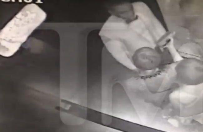 Solange attacks Jay-Z in elevator