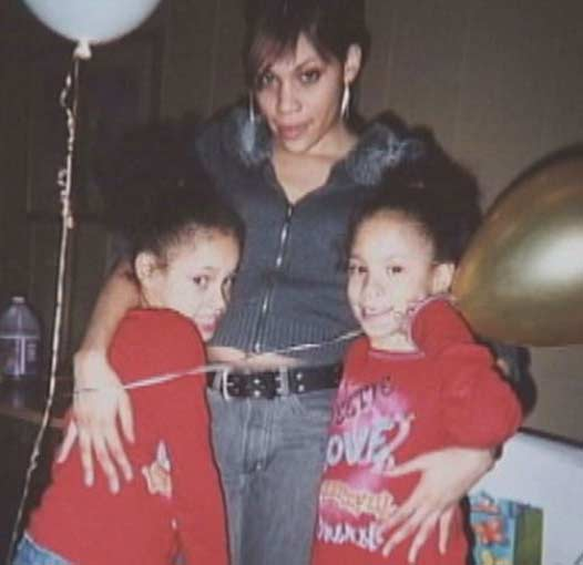 twins Tasmiyah and Jasmiyah Whitehead with their mom