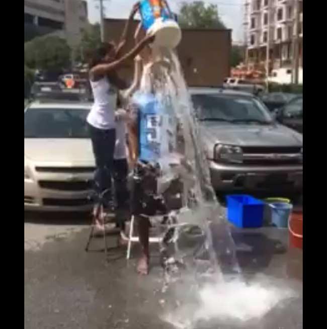 Keith Bulluck Tennesee Titans ice bucket challenge