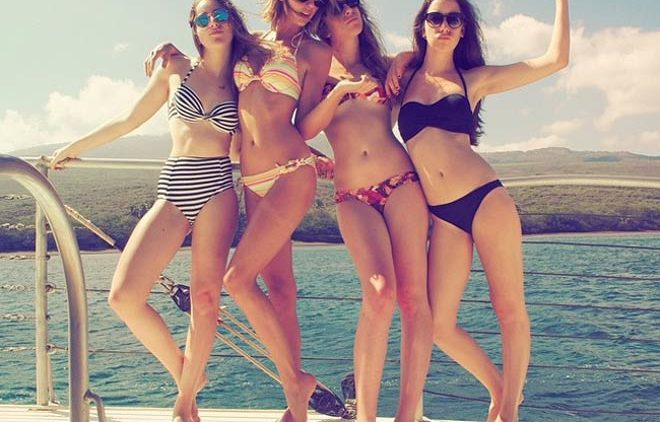 Taylor Swift and Haim in bikini