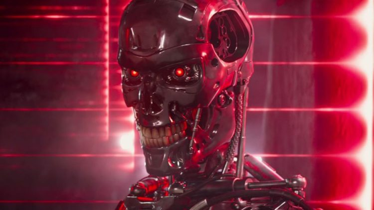 New 'Terminator: Genisys' Movie Trailer (Arnold Schwarzenegger is back with New Look!)