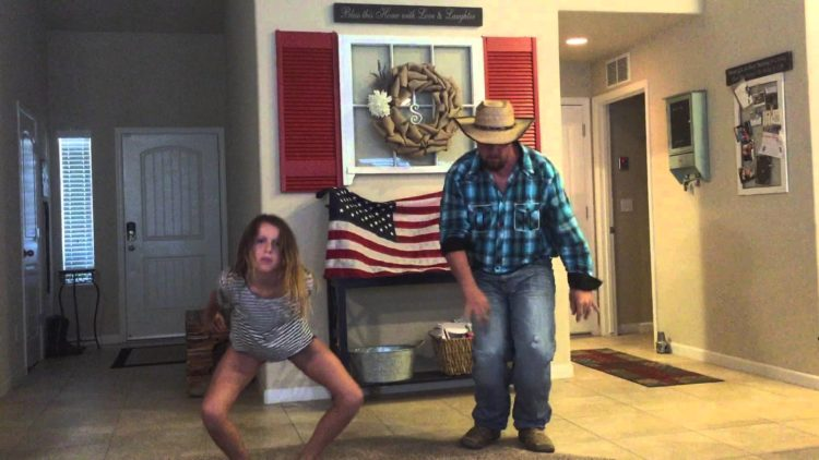"Father and Daughter Do ""Watch Me"" (Whip / Nae Nae) Dance Like A Boss!"