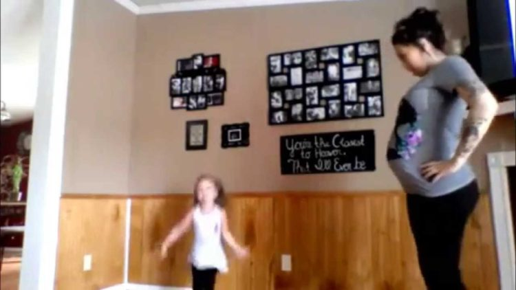 """Pregnant Mother and Adorable Young Daughter Dancing To """"Watch Me"""" (Whip / Nae Nae)"""