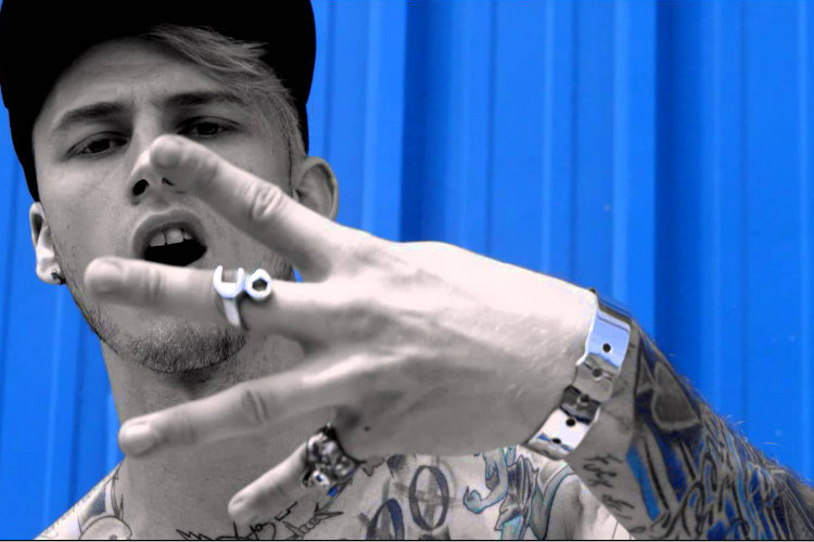 Rapper Machine Gun Kelly